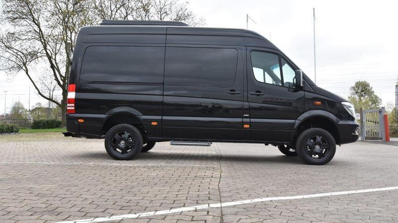 VIP Bus   04