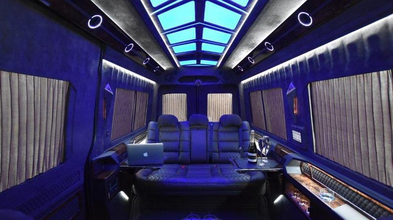 VIP Bus   08