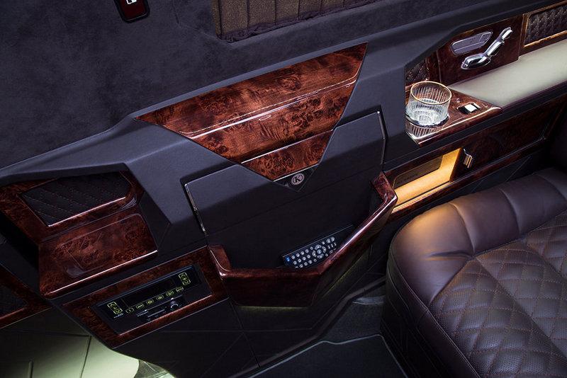 VIP Bus   18
